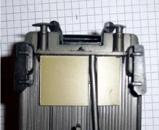 Eingelegte Adapterplättchen (Foto: Moog)
