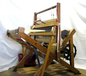 "Reed Loom Company ""Little Dandy"" model from the side."
