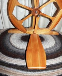 Humanus-Haus spinning wheel treadle and footman