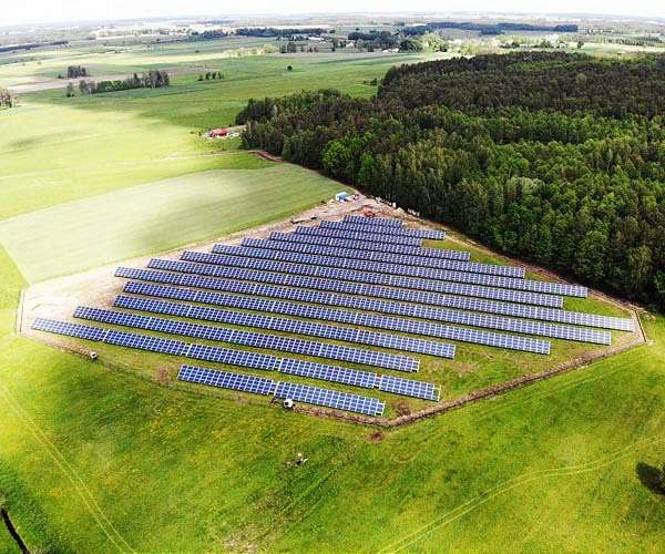 British army readies solar farm to reduce emissions