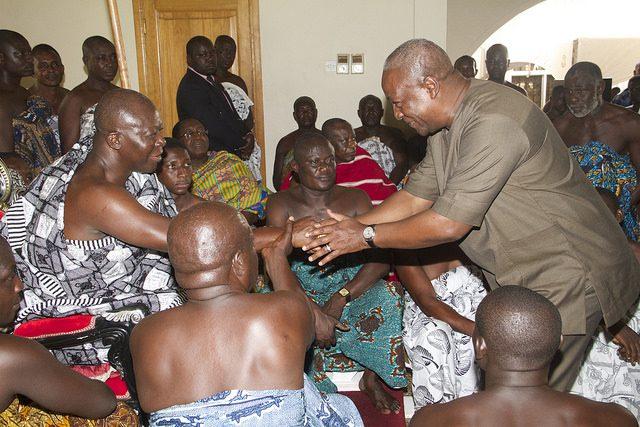 President Mahama visits Asantehene at Manhyia