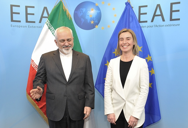 EU High Representative for Foreign Affairs and Security Policy Federica Mogherini (R) meets with Iran's Foreign Minister Mohammad Javad Zarif in Brussels, Beglium, March 16, 2015. (Xinhua/Ye Pingfan)