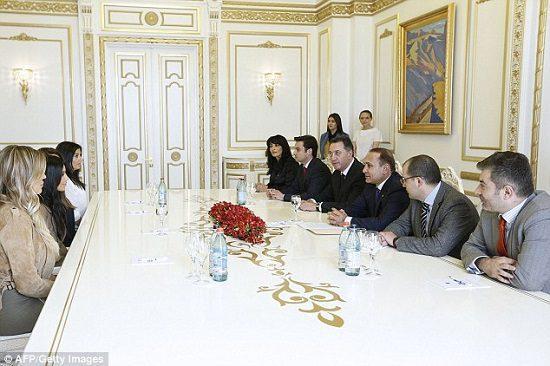 kim-kardashian-khloe-armenia-president