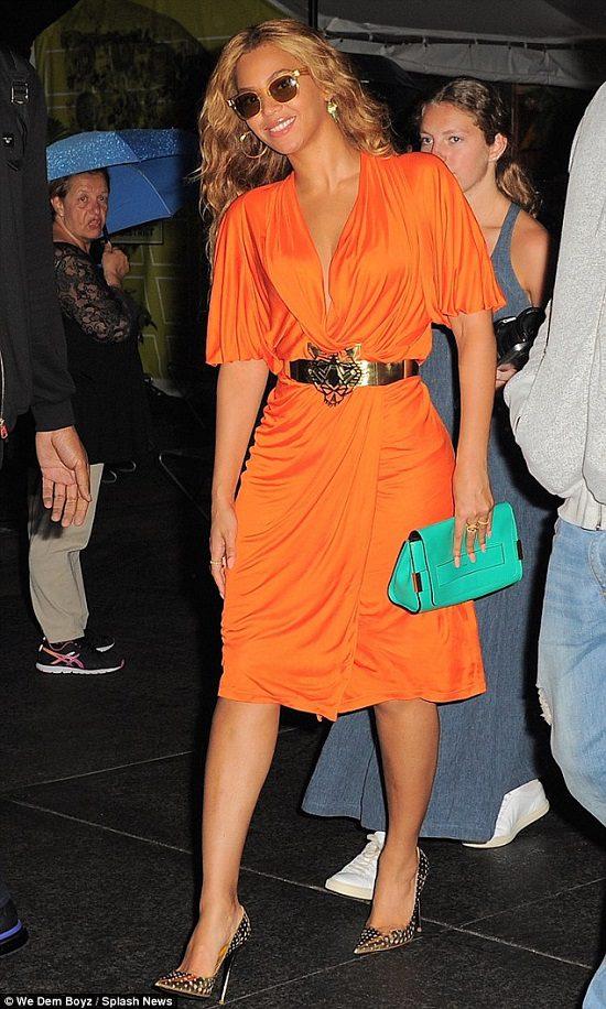 beyonce-orange-dress-may-2015