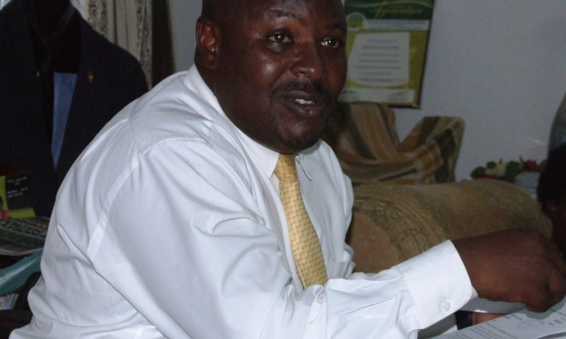 Late Coming Officials Locked Out At Kabale Dist.Head Quarters!