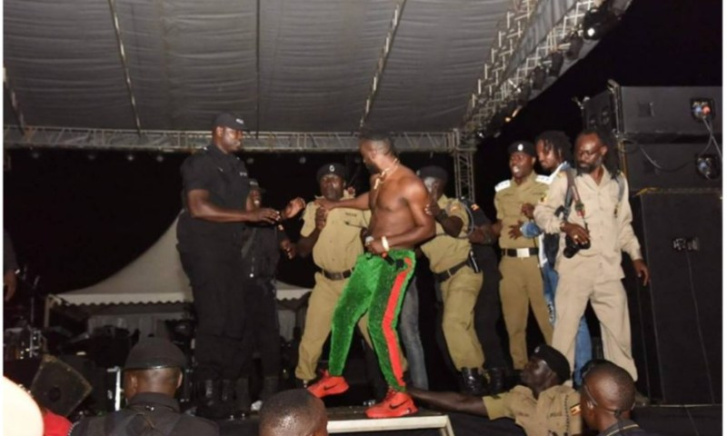 Bobi Wine Fans Kick Bebe Cool Off Stage With Urine, Stones As Jamaica's Riley Puts Up Biggest Reggae Show In UG!