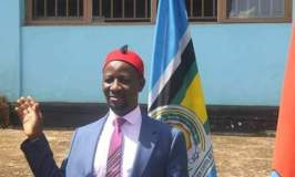 Police Block FDC's Ssemujju Nganda From Leaving Home Ahead Of Age Limit Rally!