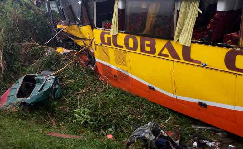 Masaka Road Nasty Accident Leaves One Dead, Many In Critical Condition
