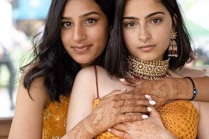 Indian-Pakistani Lesbians Hold First Ever Same Sex Wedding In America