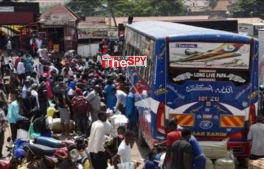 Passengers Flood Taxi,Bus Parks As KCCA Issue Three-Day Waiver to Upcountry Transporters