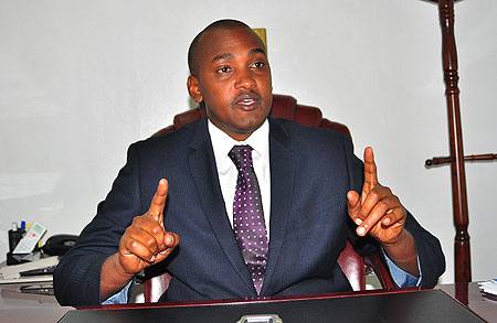 Minister Tumwebaze Asks CDOs To Be More Vigilant On Implemention Of Gov't Programs
