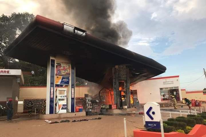 Just In: Moka Energy Fuel Station Along Entebbe Road Has Caught Fire🔥