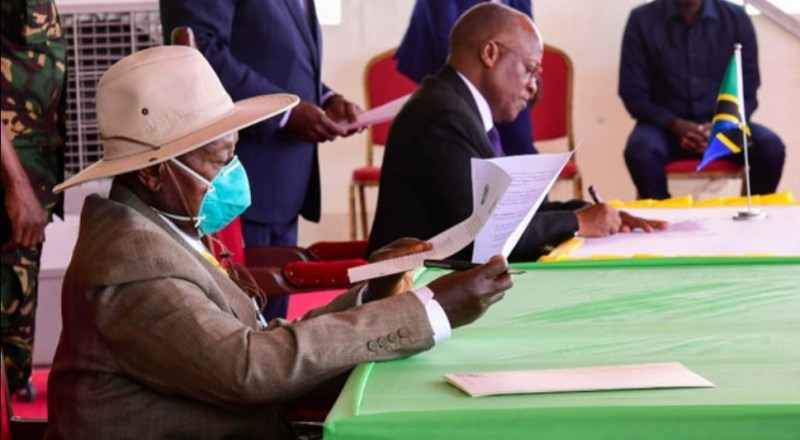 State House Staff Placed Under Quarantine After Museveni's Visit To Unmasked Magufuli