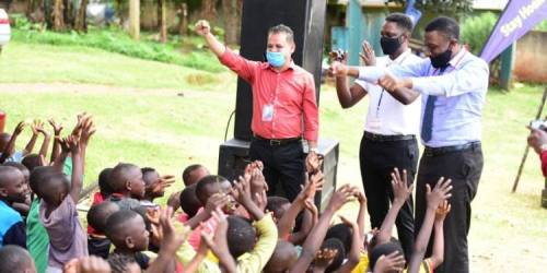 World AIDs Day: Bighearted Ruparelia Foundation, Sanyu FM Pump Happiness Into Juveniles' Living With HIV/AIDS With Multimillion Assortments