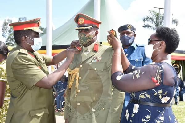 Don't Relax, Prepare For Tough Challenges Ahead: Newly Promoted Maj Generals & Brig.General Tipped During Decoration Ceremony