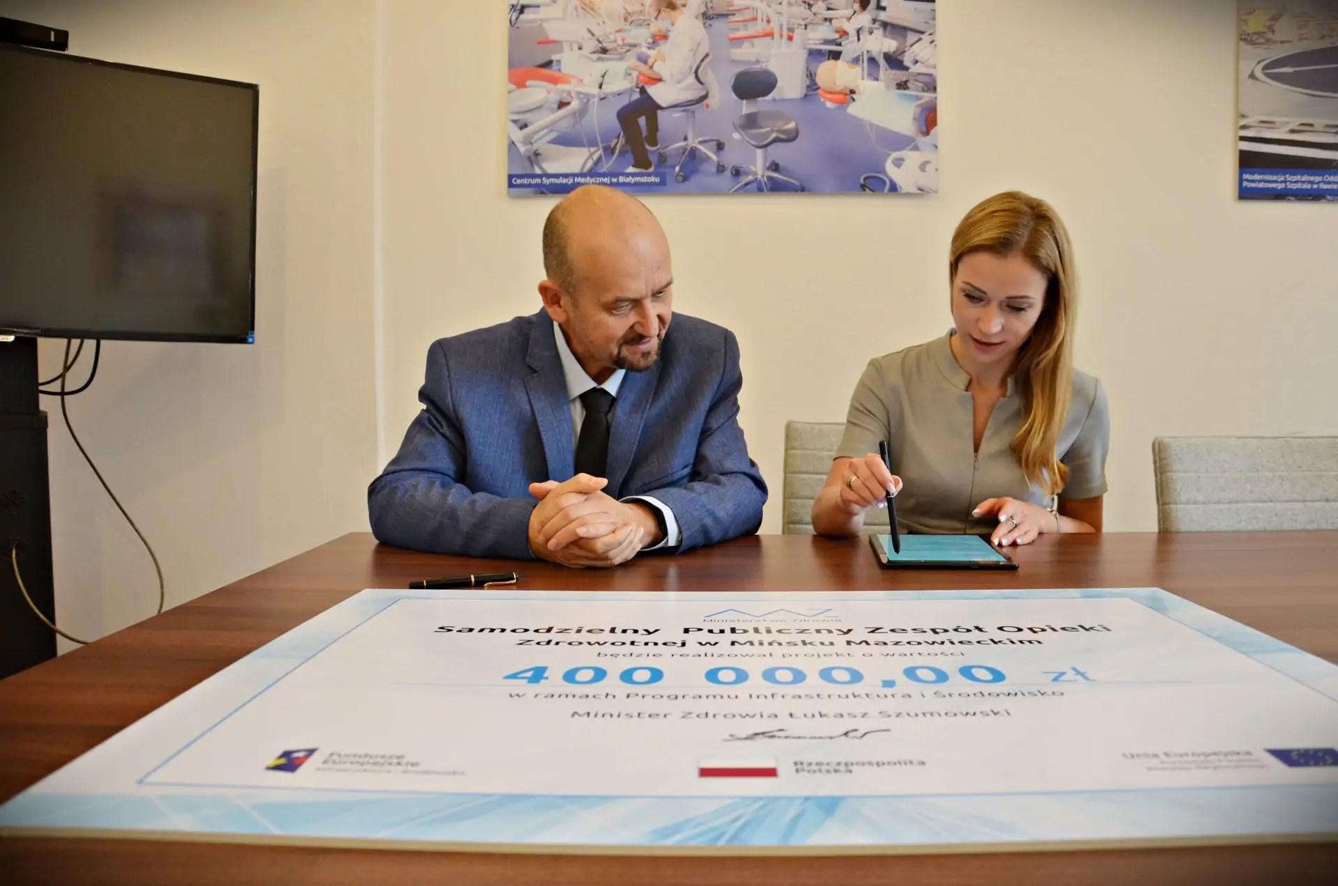 Podpisanie umowy dla Szpitalnego Oddziału Ratunkowego