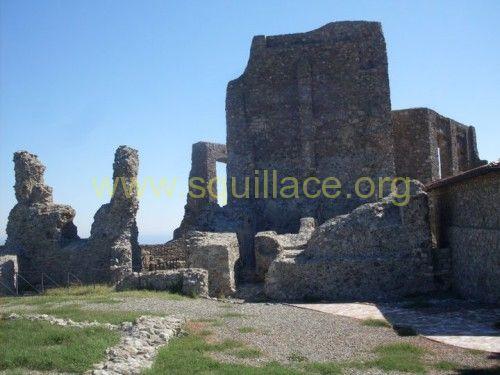 castello squillace interno