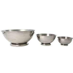 Stainless bowls in small, medium and extra large sizes.