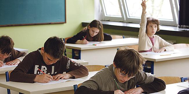 Profesori su bitniji su od vršnjaka u održavanju interesa za školu kod tinejdžera