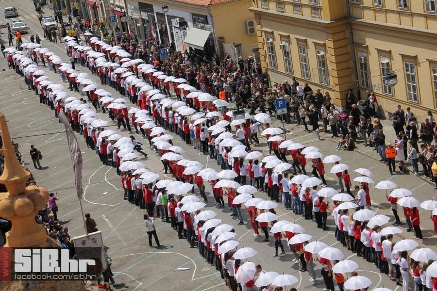 Video: Rekordna quadrilla u Osijeku