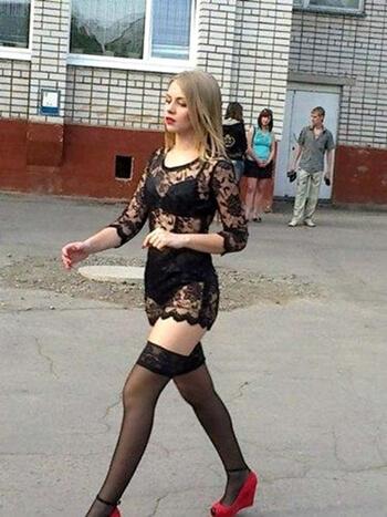 Na maturalnu večer došla u donjem rublju