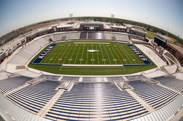 Srednja škola izgradila stadion za 18,000 ljudi
