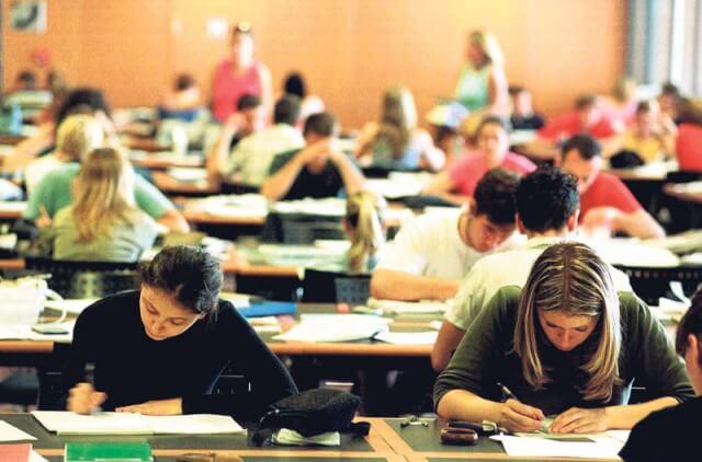 Umjesto više obrazovanih nastao veliki nesklad: Smanjivao se broj srednjoškolca, a fakulteti povećavali upisne kvote