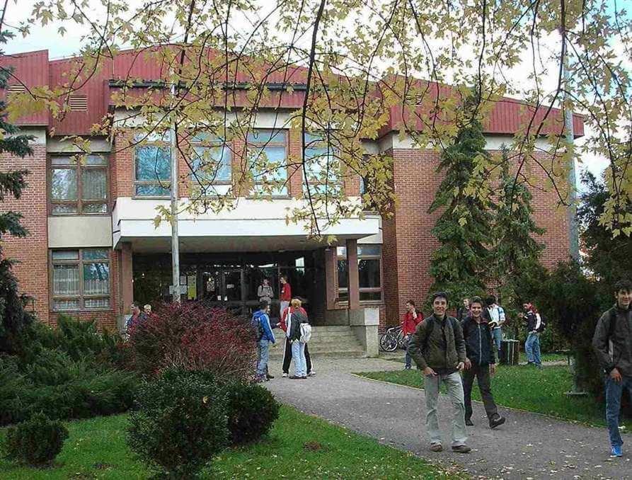 Kraj drame u Karlovcu: Učenici 'ispod praga' upisani u stolare