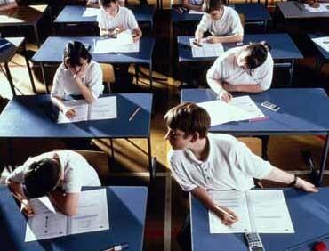 Za prepisivanje na maturi kaznit će se učenik, ali ne i profesor koji je to dopustio