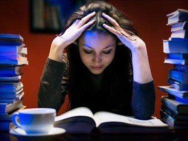 Većina učenika na nastavu odlazi nervozna, tjeskobna i depresivna: Psihologinja tvrdi – učenici su preopterećeni
