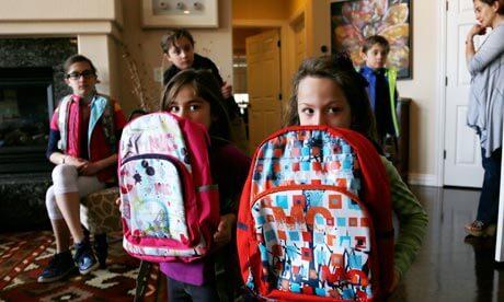 Škole dobivaju ruksake i uniforme otporne na metke