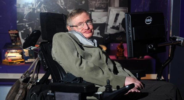 Stephen Hawking ponudio svoju teoriju oko Zaynovog napuštanja One Directiona