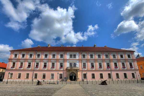 Osijek pokreće dva nova studijska programa: Pogledajte koja te kada će se moći upisati