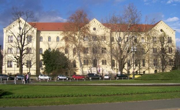Rektorat Sveučilišta Zagrebu traži volontere za rad u Uredu za odnose s javnošću