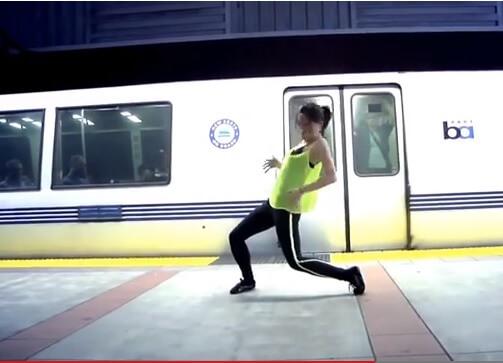 Video: U godini dana sama naučila plesati, komentari na Youtubeu podijeljeni