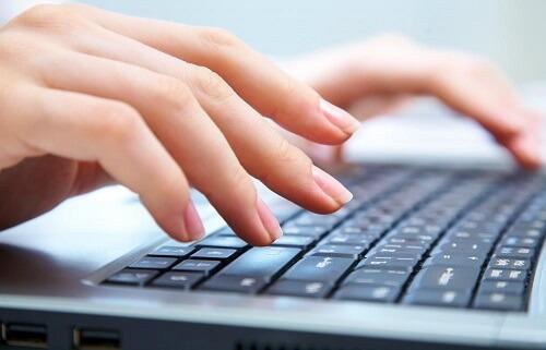 Pri tipkanju od e-mail apneje pati čak 80 posto ljudi