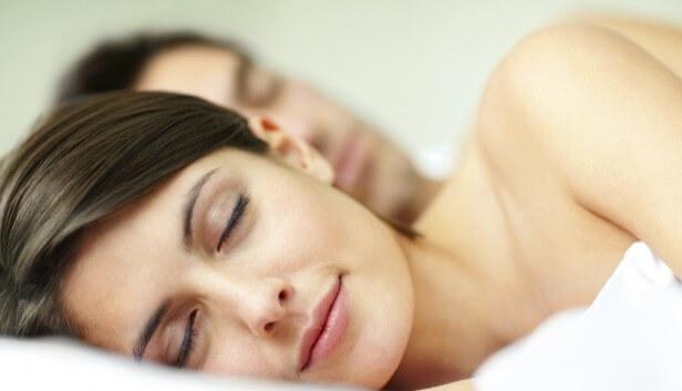 Kada spavamo goli budimo se zdraviji