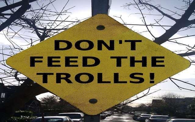 Odzvonilo internetskim trolovima, kazne će biti postrožene!