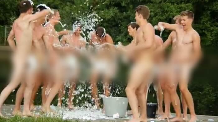 Studenti se skinuli goli i napravili kalendar u znak protivljenja homofobiji