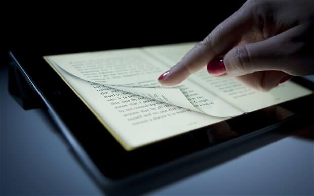 Zaspati uz e-knjige ili tablete nije preporučljivo, a evo i zašto