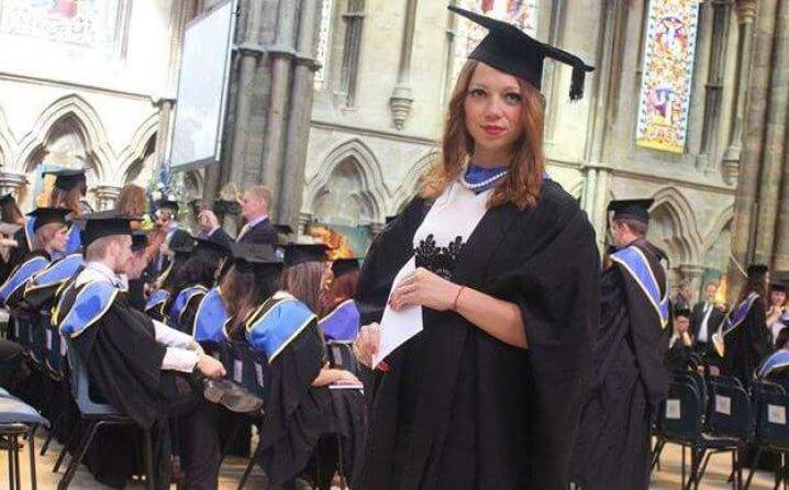 U Sarajevu je odbili na fakultetu, a onda u Engleskoj stigla do doktorata