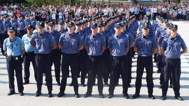 MUP raspisao natječaj: Traži se 600 mladih koji žele postati policajci, doznajte uvjete prijave
