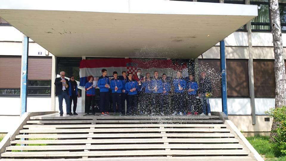 [VIDEO] Futsal ekipa zagrebačke XIII. gimnazije osvojila broncu na SP-u