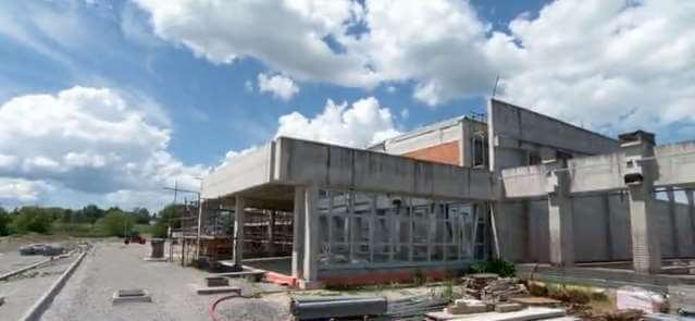 Sisački maturanti za završni rad sudjeluju u izgradnji nove škole