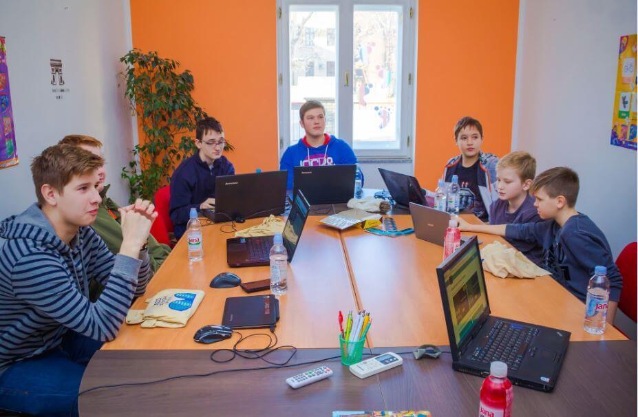 Rekordnih 9.000 učenika sudjelovalo na projektu 'Sat kodiranja u organizaciji Microsofta