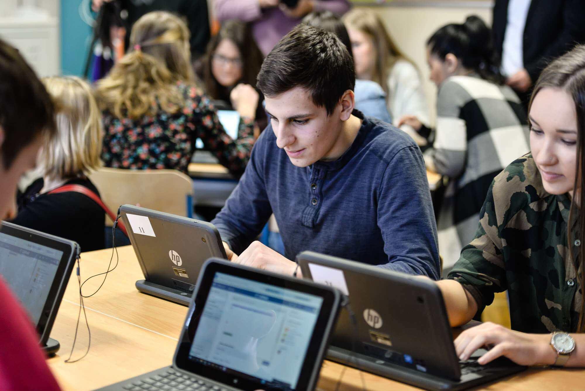 Digitalna transformacija u projektu e-Škole: Čak 93% škola sada se nalazi na razini digitalno osposobljenih ili naprednih