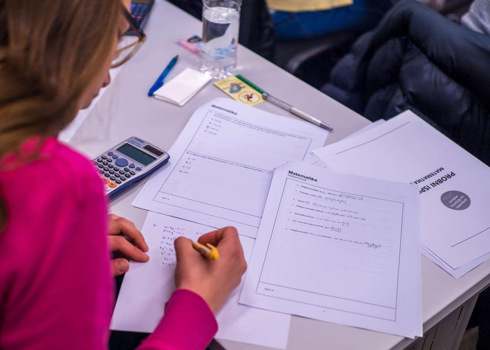 Objavljeni rezultati probne mature: Provjerite koji su predmet učenici najbolje riješili