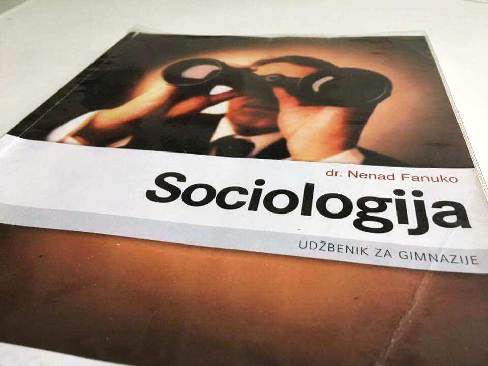 [Zadatak dana] Čak i oni s lošijim ocjenama morali bi znati odgovor na pitanje iz Sociologije za 3. srednje