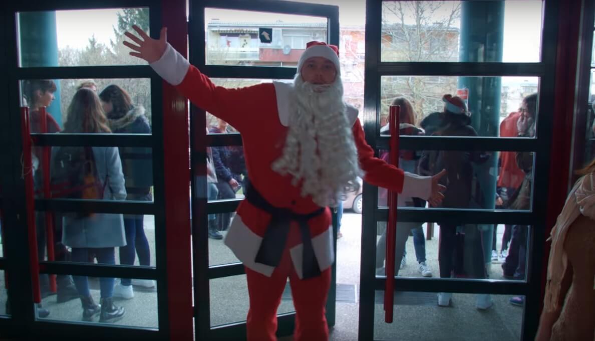 Đakovački gimnazijalci snimili fenomenalan božićni video pred kojim se može sakriti pola hrvatske estrade