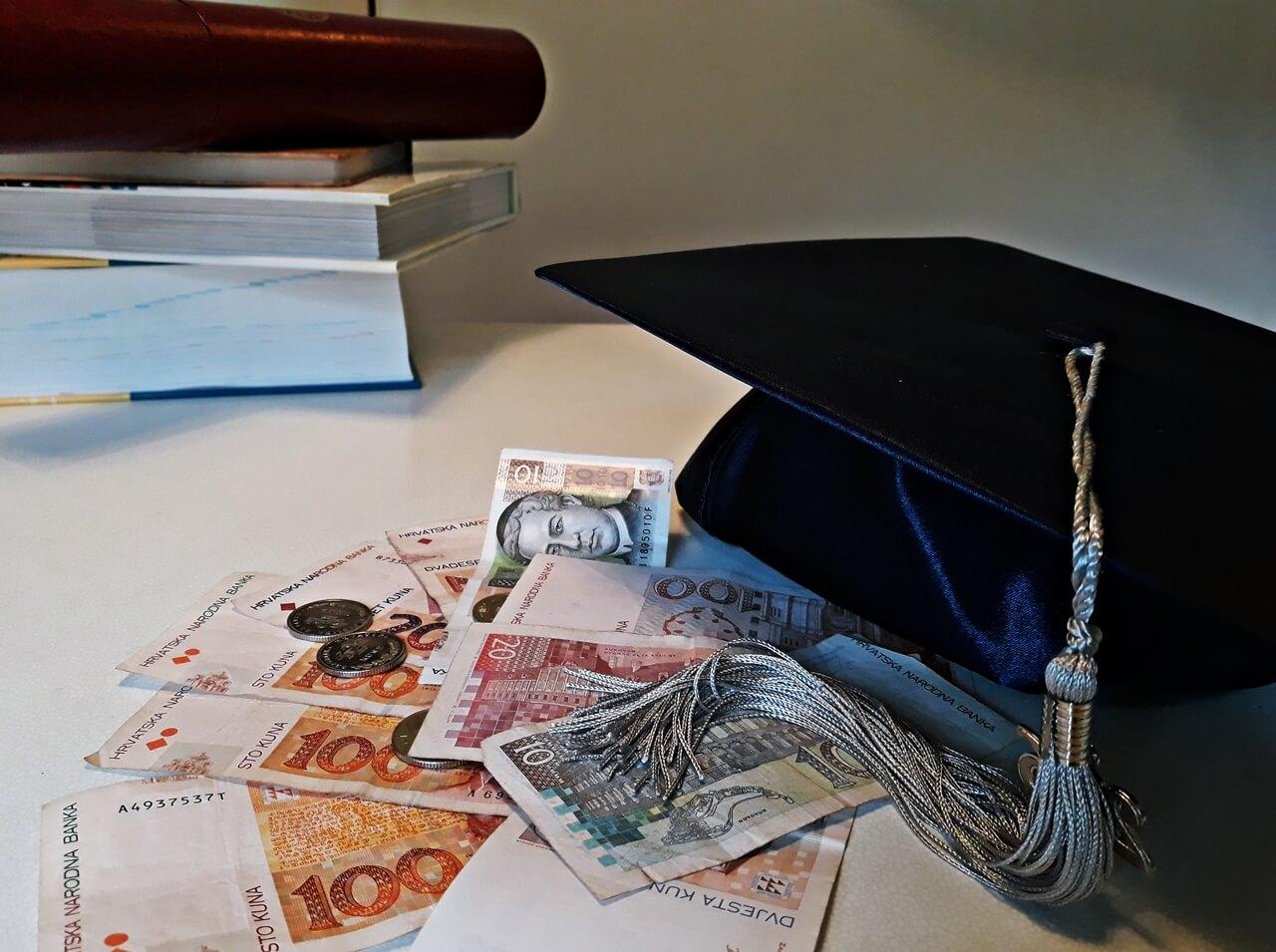 Studenti, pozor: Otvoren natječaj za stipendiju od čak 3.000 kuna mjesečno
